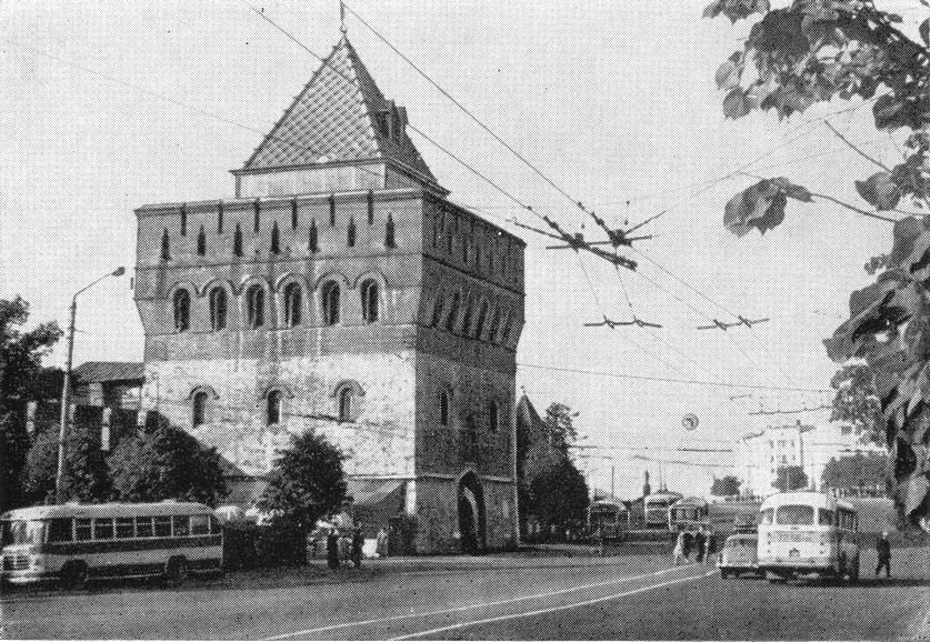 Дмитровская башня