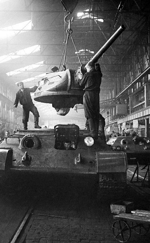 К.С. сборка танков 1944 год