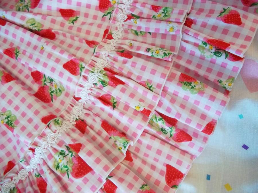 strawberry gingham closeup