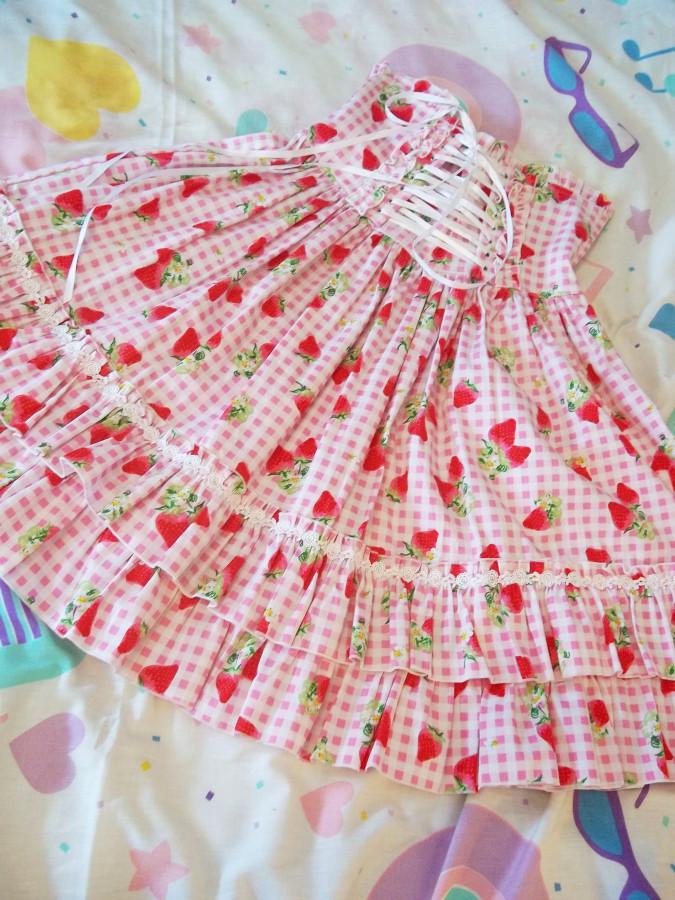 strawberry gingham