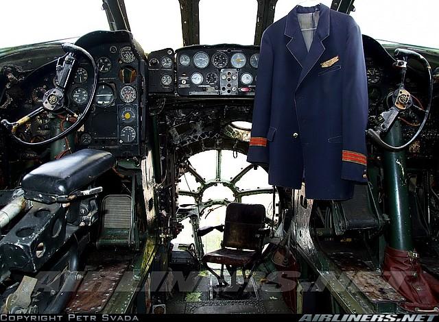 Ту-104A (OK-LDC) CSA, кабина пилотов