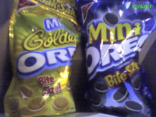 A package of Oreo Minis next to a package of Golden Oreo Minis