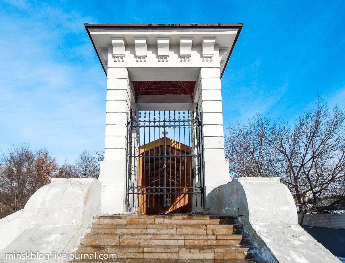 Подбор памятников Ростокино Лампадка из лезниковского гранита Куйбышев