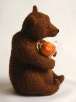 Медведь с грибочком