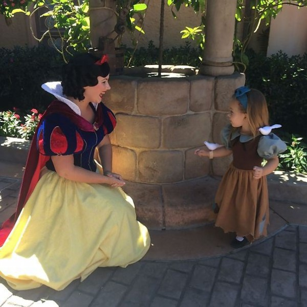 mum-sews-daughter-disney-costume-5