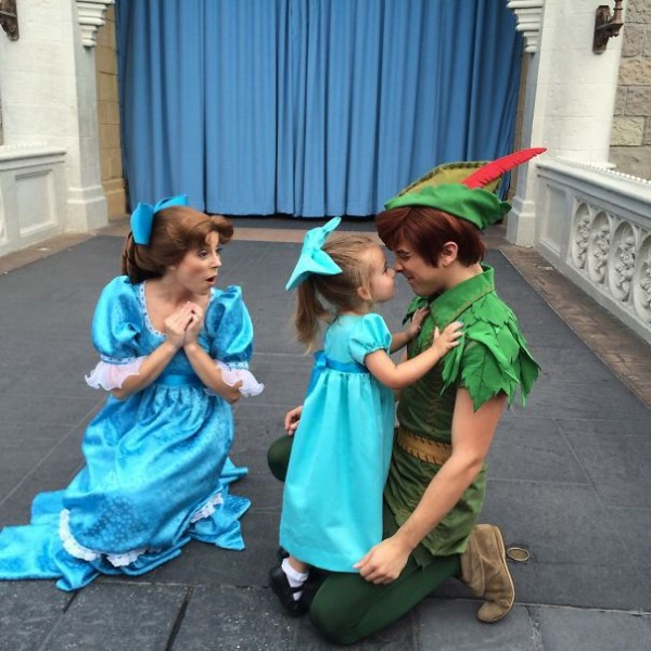 mum-sews-daughter-disney-costume-10