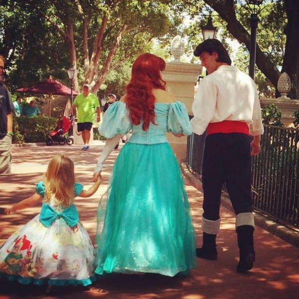 mum-sews-daughter-disney-costume-13