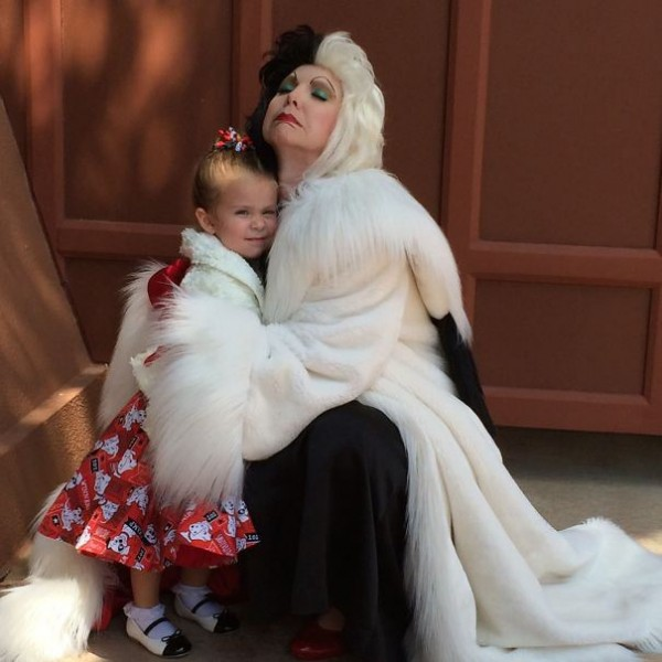 mum-sews-daughter-disney-costume-16