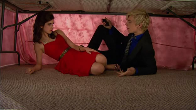 Austin & Ally - 01x08 - Club Owners & Quinceaneras.avi_snapshot_17.31_[2013.02.10_02.00.47]