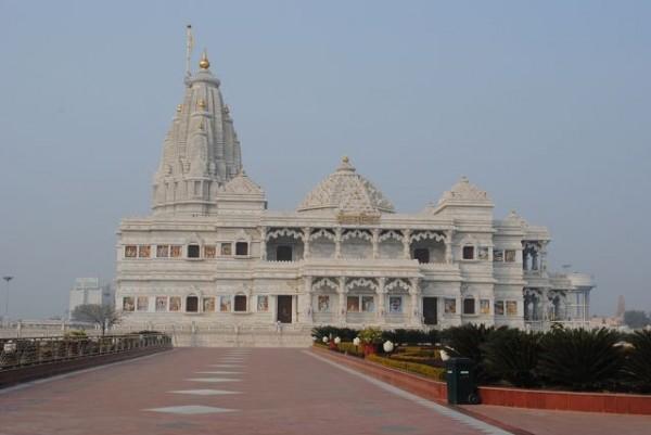 кришнаитский храм во вриндаване