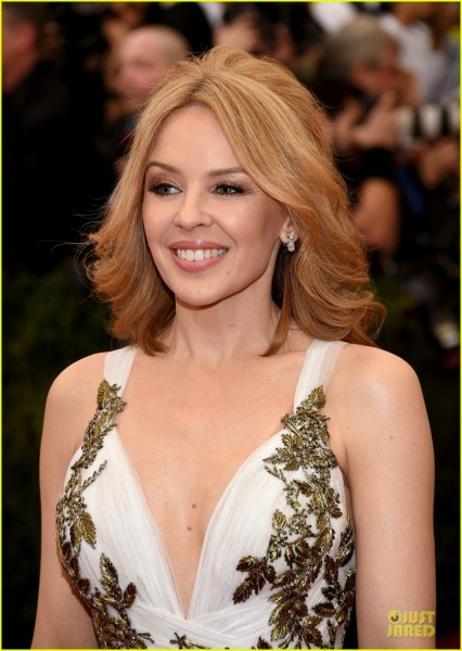 kylie-minogue-regal-met-ball-2014-04