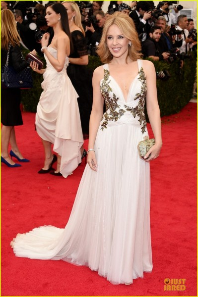 kylie-minogue-regal-met-ball-2014-03