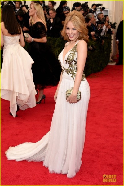 kylie-minogue-regal-met-ball-2014-05