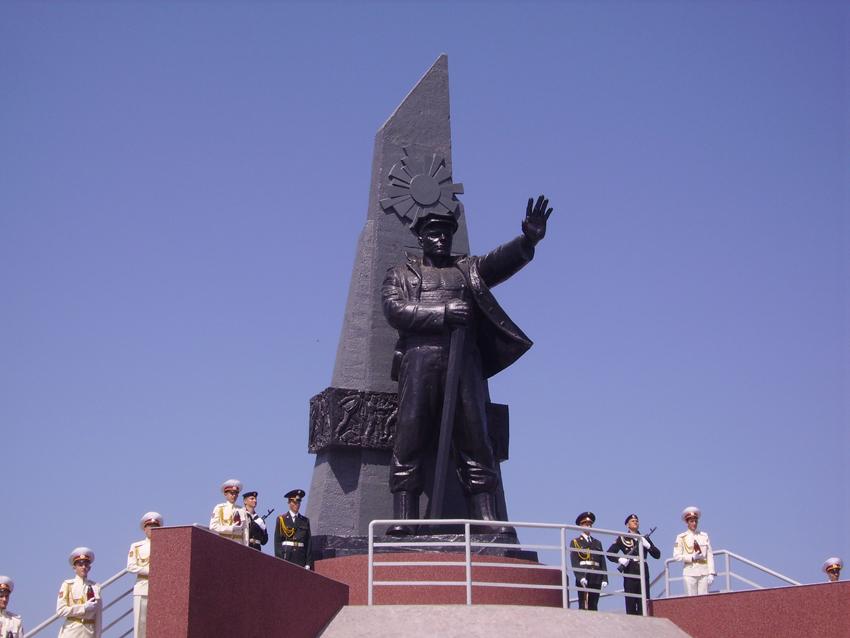 Открытие памятника 6 мая 2010