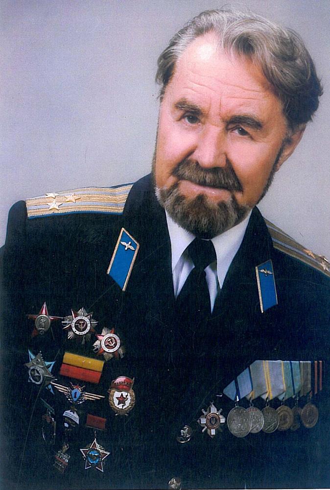 Новомир Иванович Царихин
