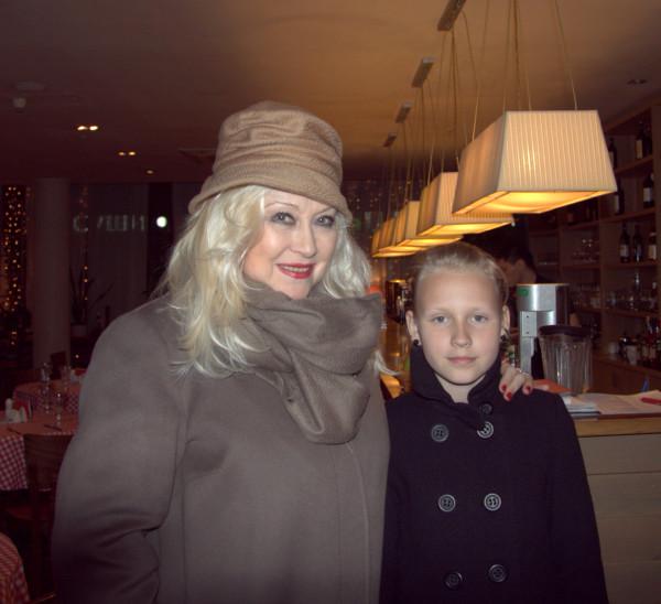 Ирина Мирошниченко с семьей Николая Лебедева