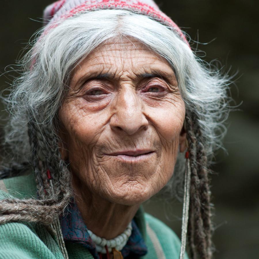 фото бабушек старых