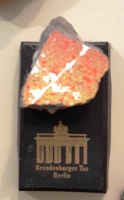 Берлин - магнитки на память и небо немецкой столицы