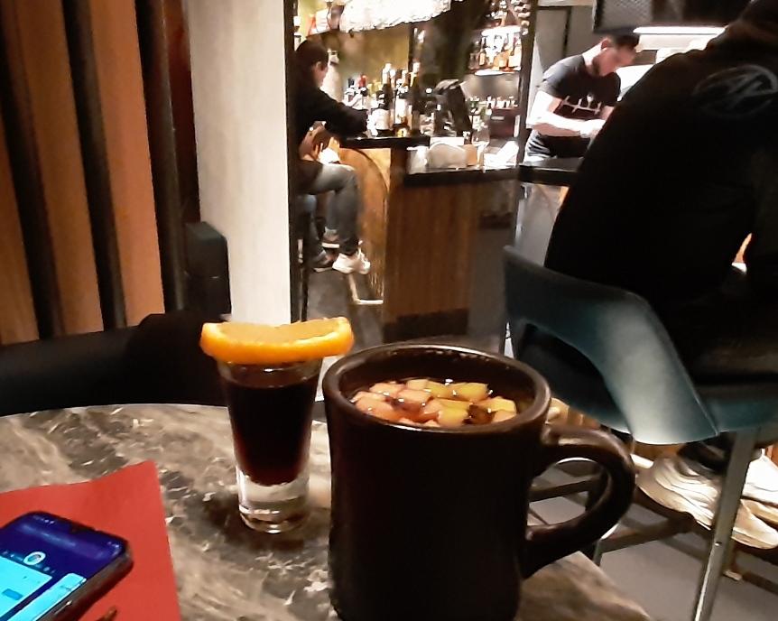 Патриаршие пруды - час черного пуделя