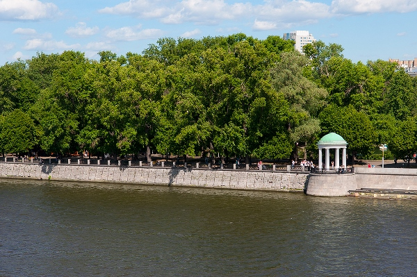 park-Neskuchnyiy-sad-v-Moskve