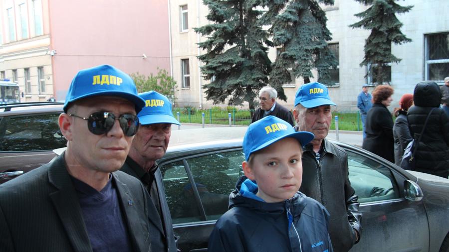 Мая 2014 г у посольства украины в москве