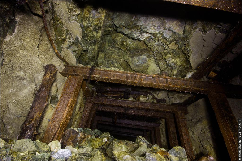 Тайные плантации в шахте