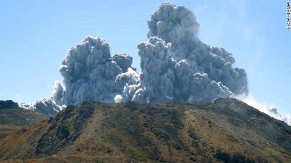 140927120648-japan-volcano-10-ap895457400033-horizontal-gallery
