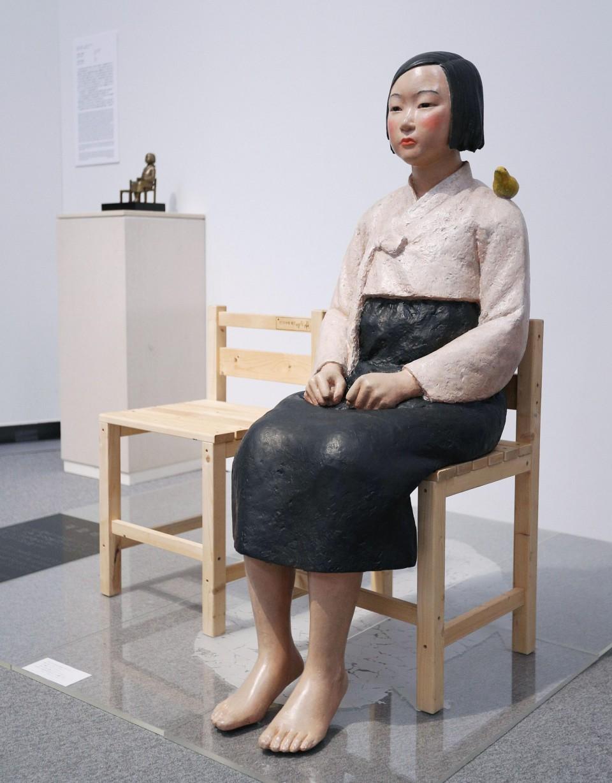 Та же статуя в музее..