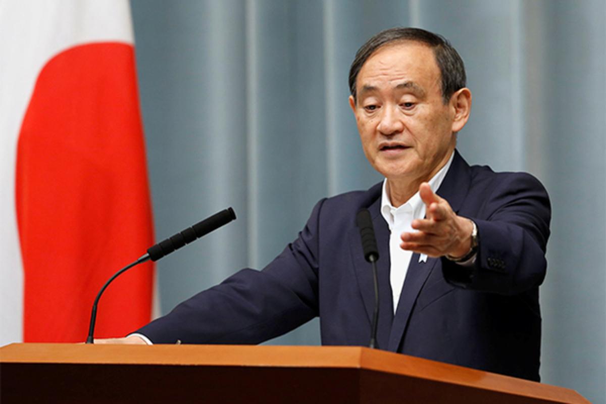 Главный секретарь кабинета министров Ёсихидэ Суга