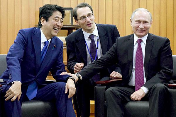 «Он установил тесные связи с президентом Трампом, президентом Путиным и другими мировыми лидерами. Это не только его личное достояние, но и достояние страны».