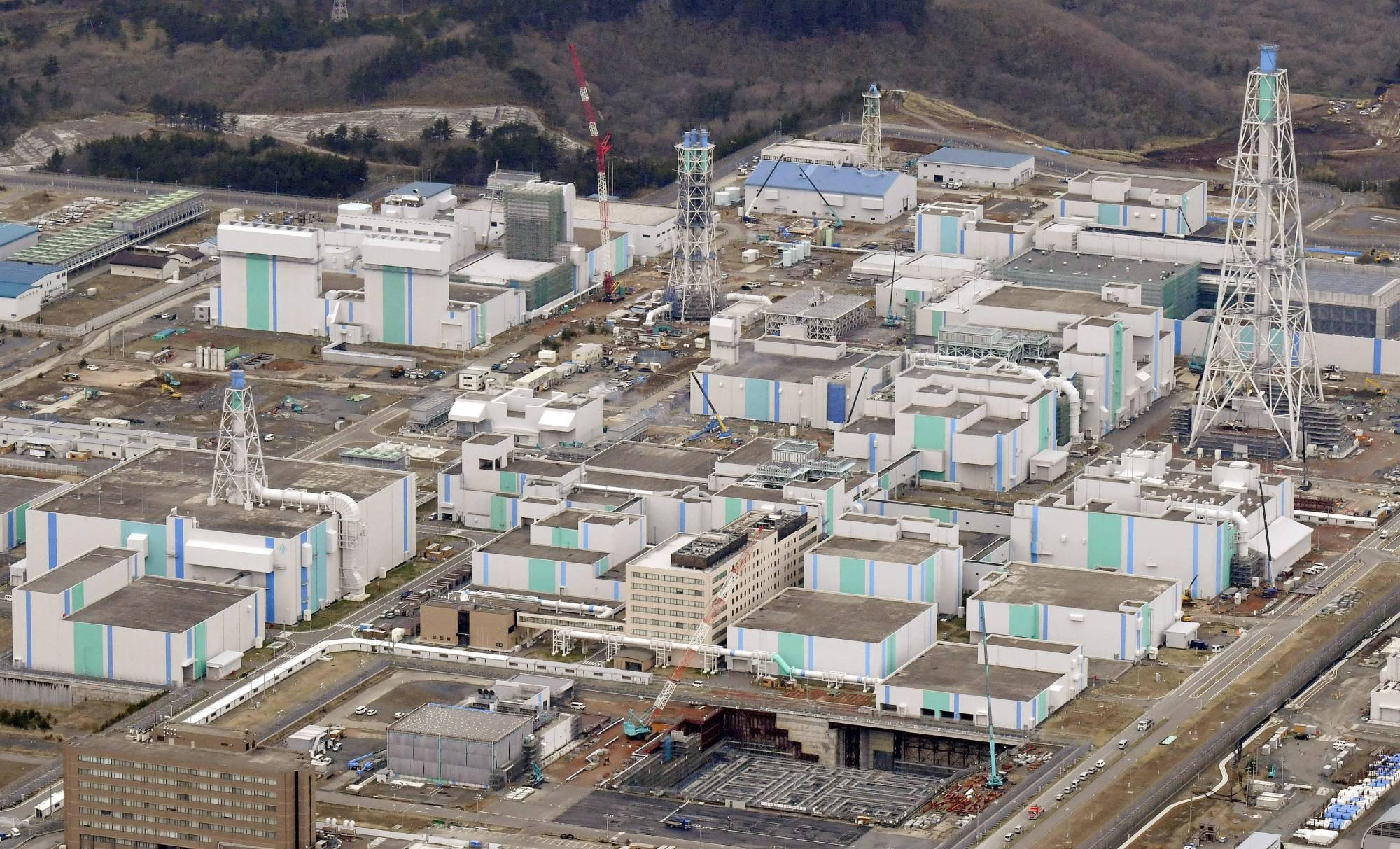 Aomori's Rokkasho nuclear plant — на разделительном заводе RUEP в Рокасё
