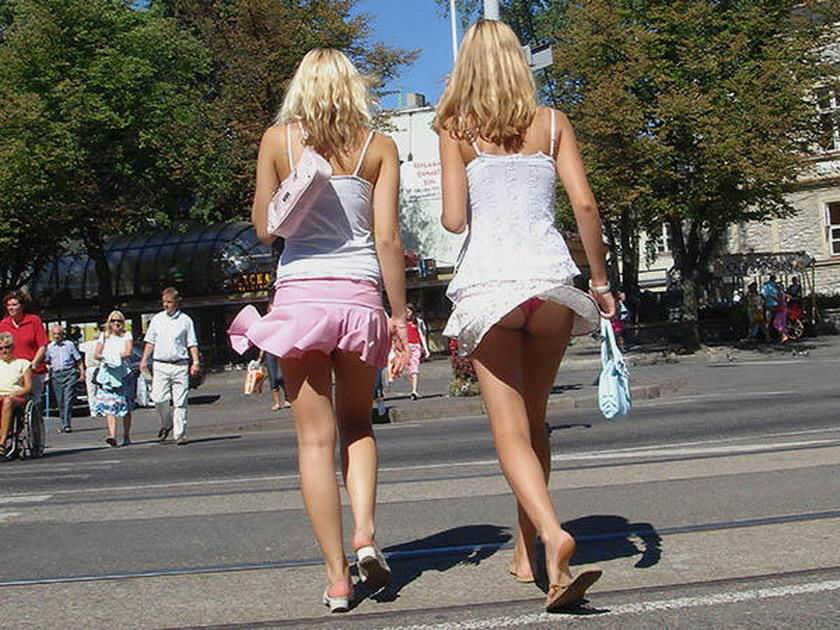 Днем, короткая юбка смешные картинки