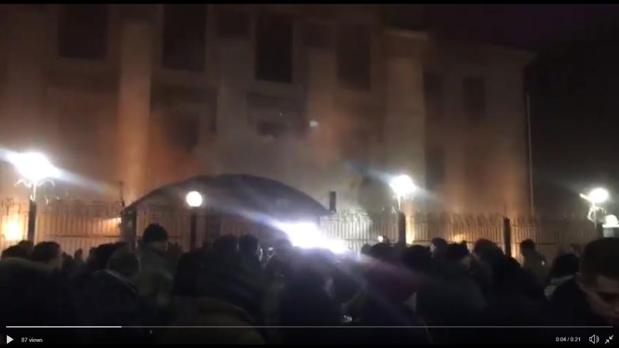возле посольства РФ в киеве2