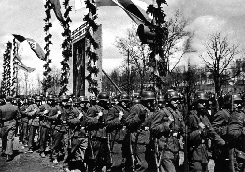бел 13 бел батальон СД марширует