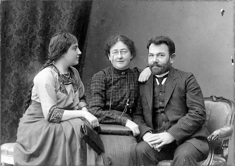 тамара владимировна воскресенская с родителями