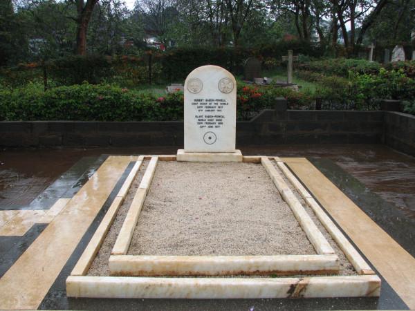 Baden_Powell_grave1