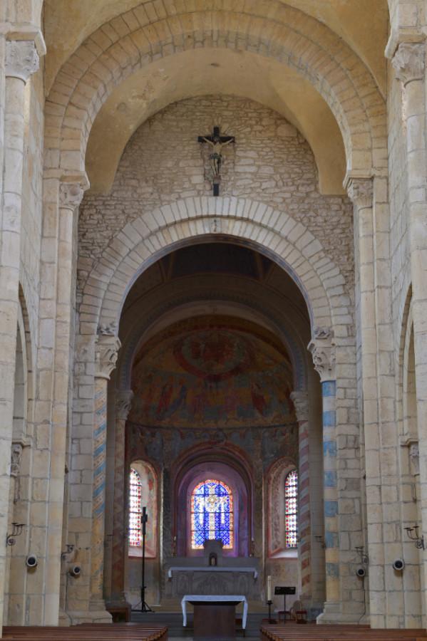 Anzy-le-Duc inside