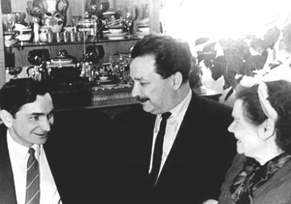 быковский с родителями