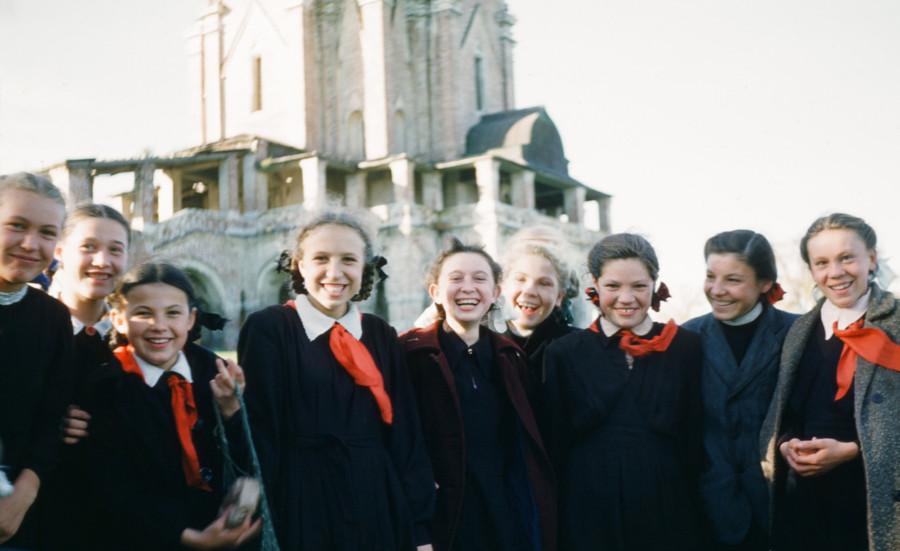 школьницы в коломенском 1950