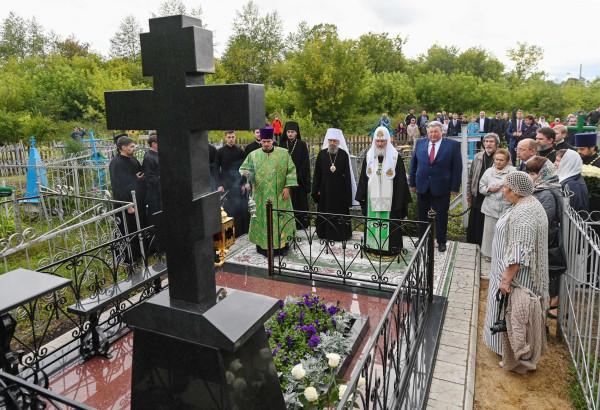 могила гундяйского папаши3