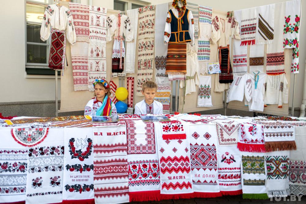 den_ukrainy_17082919_tutby_brush_phsl_-8697