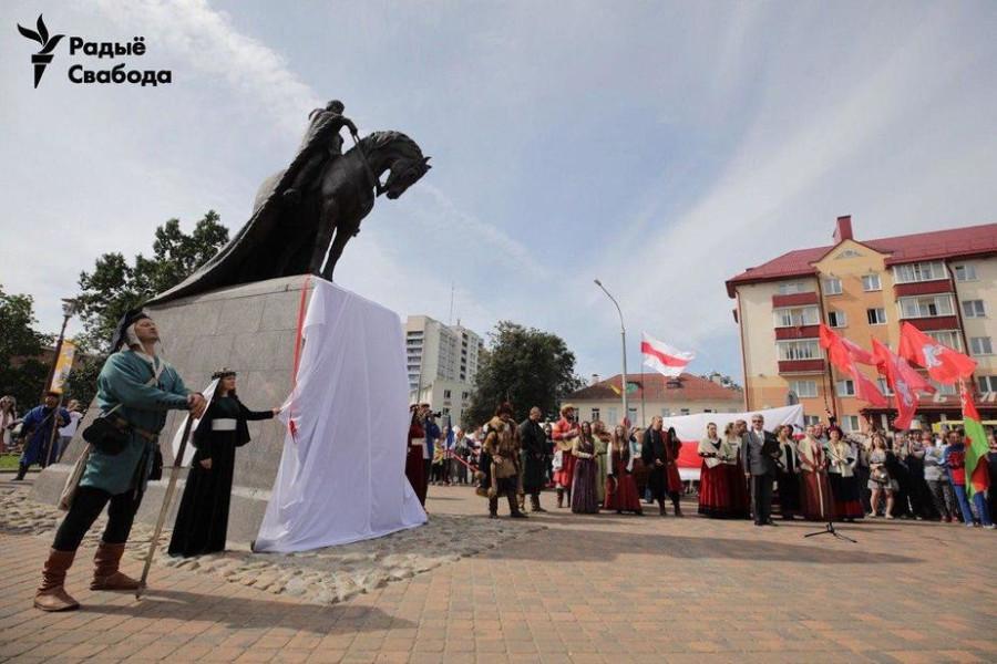 памятник Гедимину в Лиде 2019