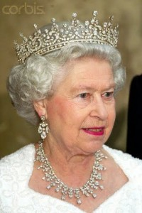 85210fb14d2a53c2cbfe9b65aef27103--royal-tiaras-royal-jewels
