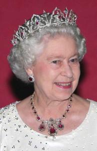 47f228354539da9fbaacba537cee6d13--royal-tiaras-queen-elizabeth-ii
