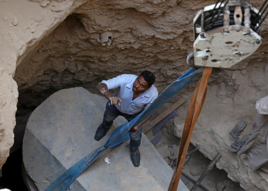 макака археолог11
