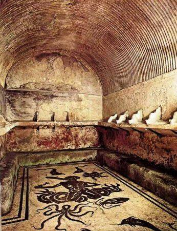 Apodyterium dressing room of the women's bath Central Thermae Herculaneum1
