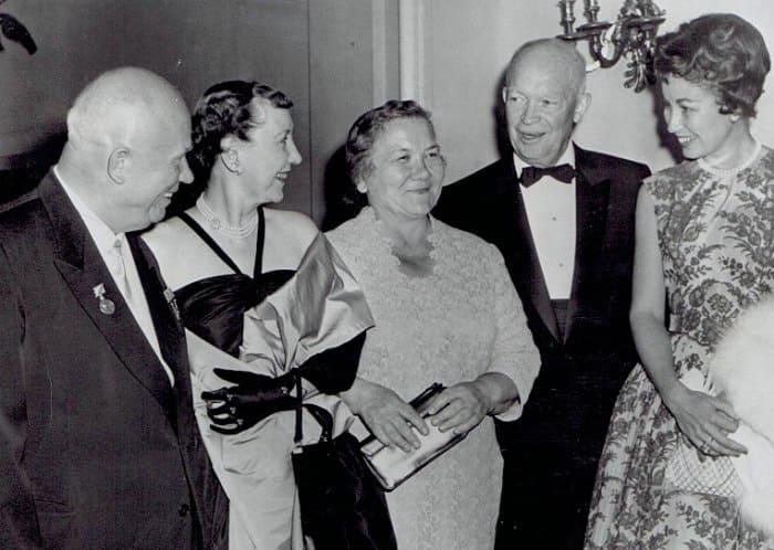 платье Нины Хрущевой4- вена 1961