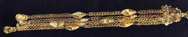 золотой перпендулий от византийской короны – стеммы