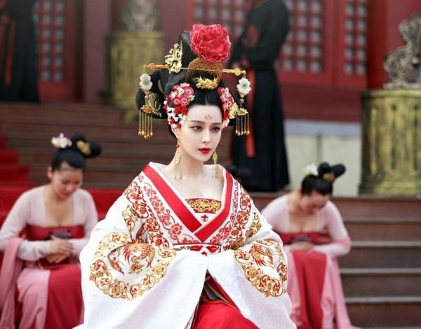 Фань БинБин - первая красавица Китая