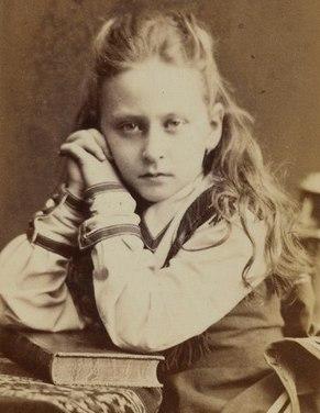 Грустная Алиса